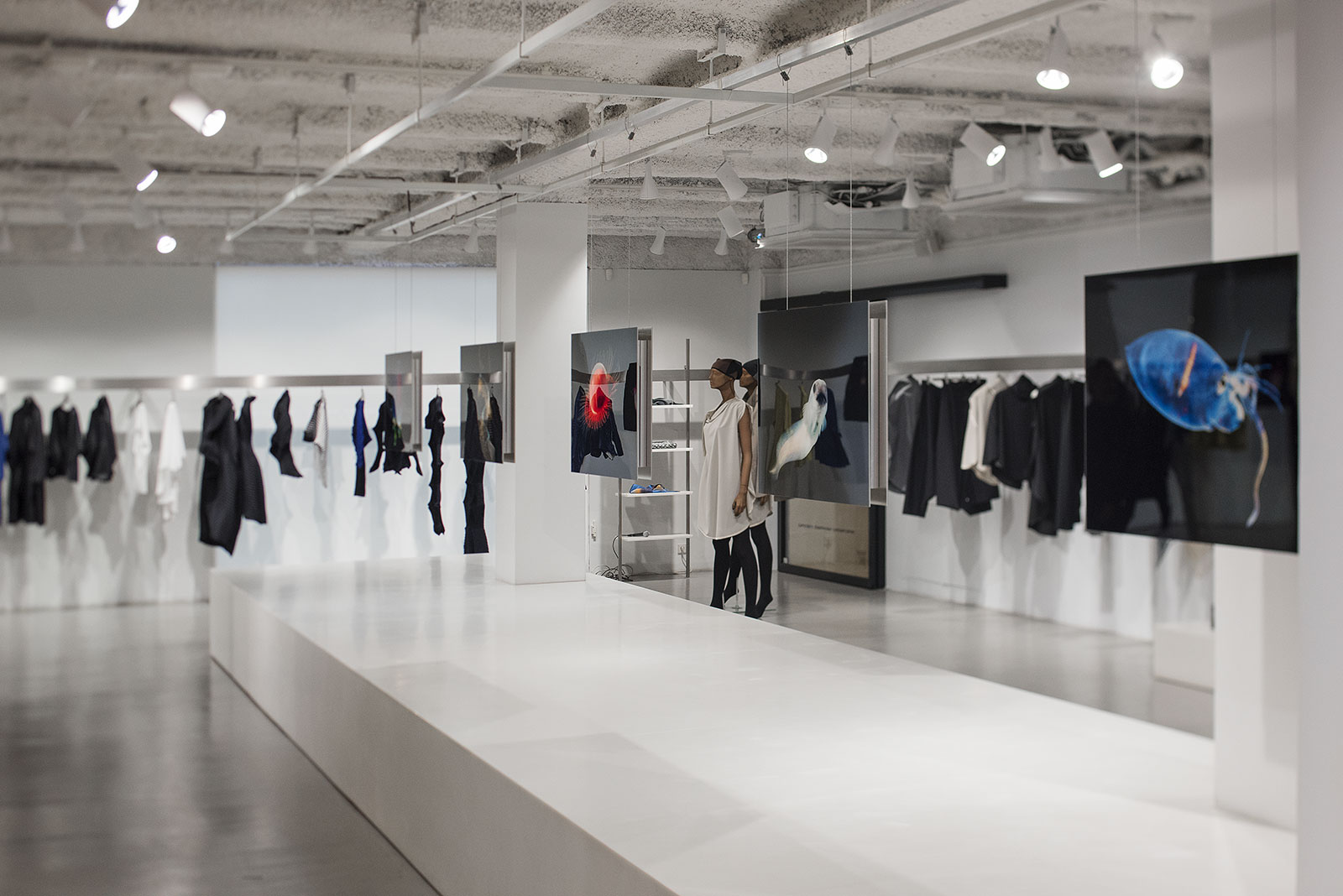 Bloom association an evening for the deep ocean with issey miyake men - Issey miyake rue royale ...